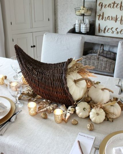 15-cornutopia-with-pumpkins-wheat-and-gilded-nuts