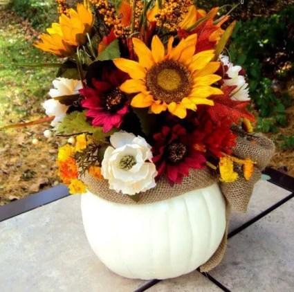 18-pumpkin-centerpiece-ideas-homebnc