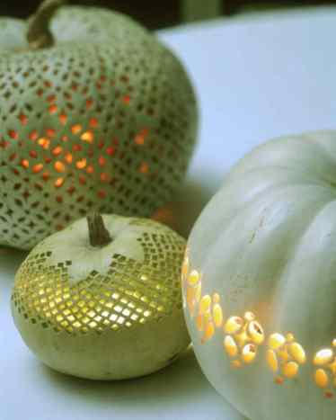 27-pumpkin-carving-ideas-homebnc