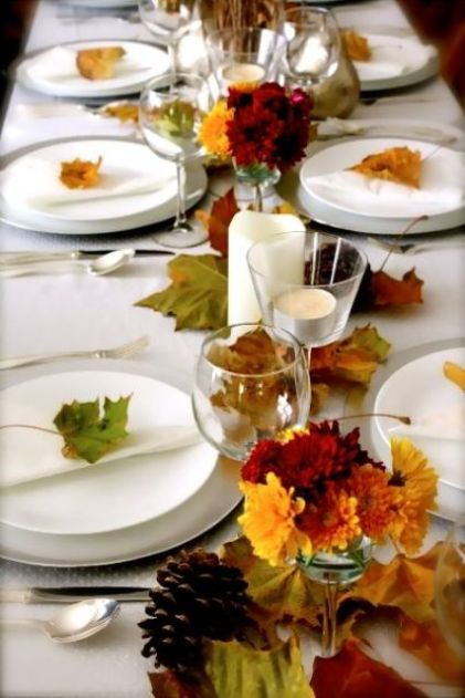 28-natural-fall-leaves-fall-flowers-and-white-procelain-and-candles