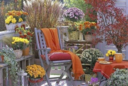 Autumn-decoration-in-the-balcony16