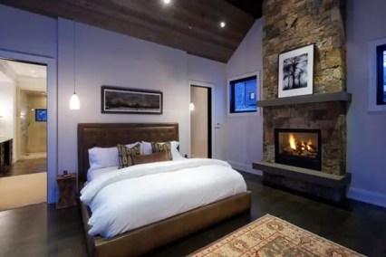 Bedroom-fireplace-ideas-19-1-kindesign