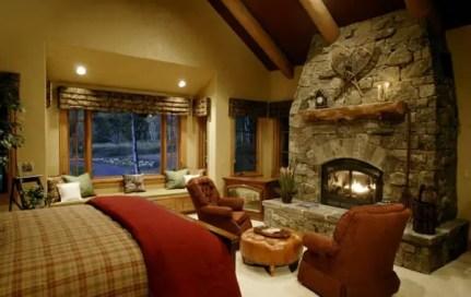 Bedroom-fireplace-ideas-49-1-kindesign