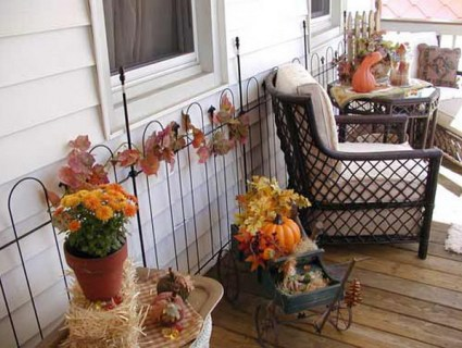 Costuming-your-house-for-the-holiday-outdoor-halloween-decorating-ideas_42