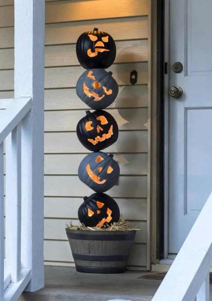 Diy-outdoor-halloween-decorating-ideas-6