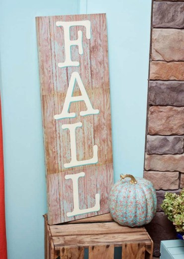 How-to-make-a-fall-sign-in-three-steps