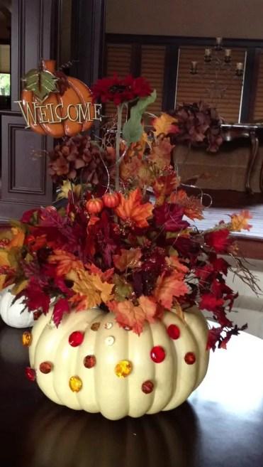 Thanksgiving-fall_-autumn_-white_-pumpkin_-centerpiece_-and_-decorating_-ideas__12