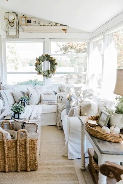 White-farmhouse-fall-decorating-ideas.-liz-marie-blog