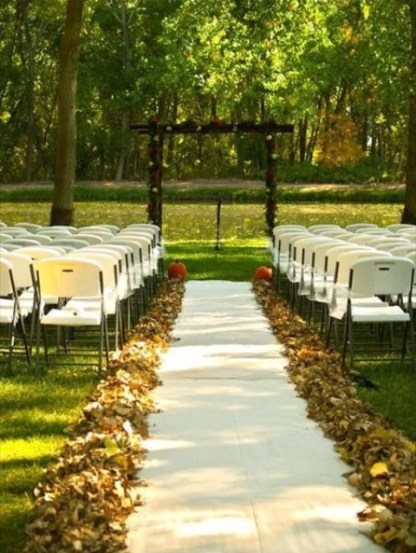 Awesome-outdoor-fall-wedding-decor-ideas-27