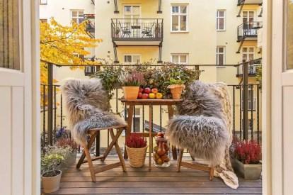 Balcony-decorating-ideas-58-573da3701ef30__700