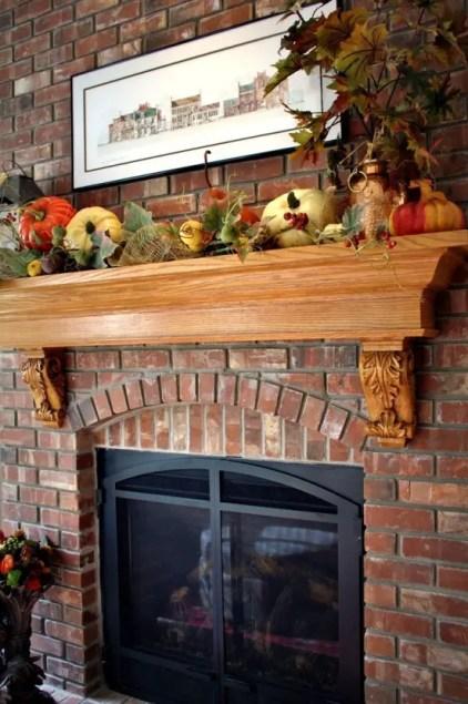 Beautiful-fall-mantel-decor-ideas-16-554x831-1