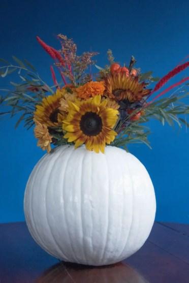 Diy-fall-and-thanksgiving-pumpkin-centerpieces-2-775x1161-1