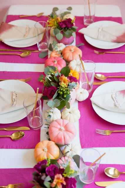 Fall-table-decor-ideas-diy-centerpiece-fresh-flowers-and-pumpkins
