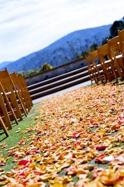 Fall_wedding_aisle_24