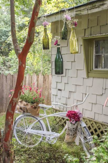 03g-vintage-garden-decor-ideas-homebnc-v6