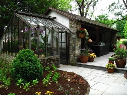 Awesome-backyard-greenhouse-design-ideas-23-1-kindesign