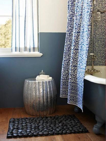Black-pebble-bath-mat