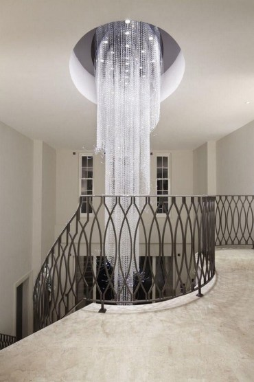 Elegant-staircase-designs-with-amazing-cascading-chandeliers