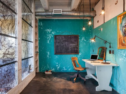 Fabulous-industrial-style-home-office-with-as-splash-of-blue