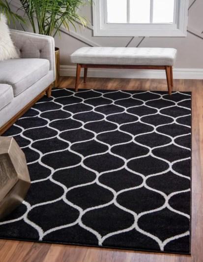 Lattice-frieze-rug