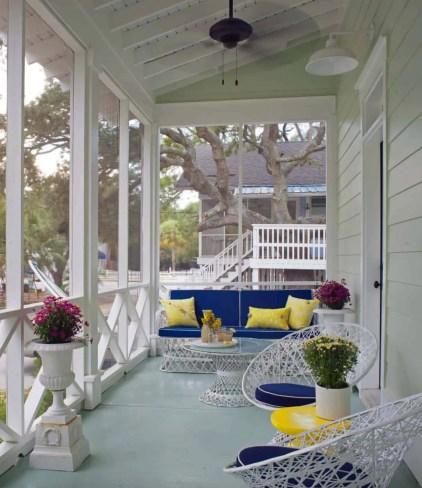 Screened-porch-design-ideas-04-1-kindesign