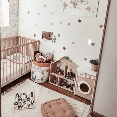 Stickers4walls_reusable-chocolate-and-neutral-polka-dot-fabric-wall-stickers-920x920-1