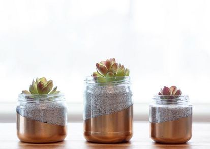 Upcycled-glass-jar-planter-from-circusberry