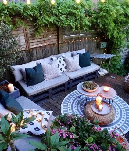 Bohemian-outdoor-living-space-with-garden-decorating