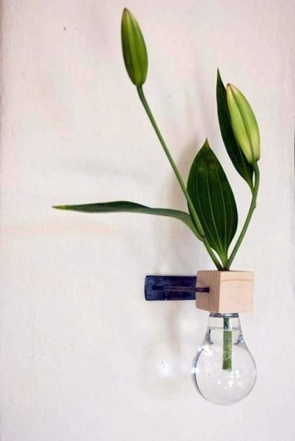 Diy-decoration-from-bulbs-120-craft-ideas-for-old-light-bulbs-79-566