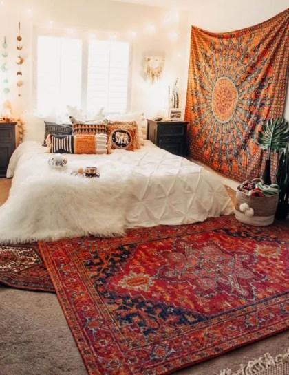 Moderne-böhmische-Schlafzimmer-mit-Wandteppich-Ideen