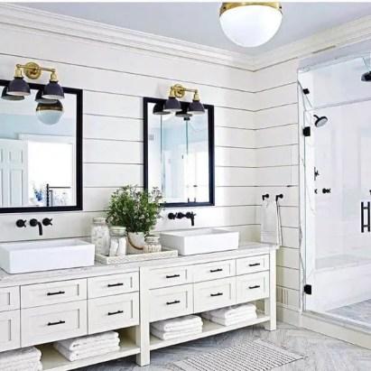 Rustic-wall-lamps-impressive-bathroom-lighting-ideas-shiplap-design