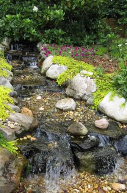 Kleiner Hinterhof-Garten-Wasserfall-Design-Ideen-Sebring-Design-Build-11
