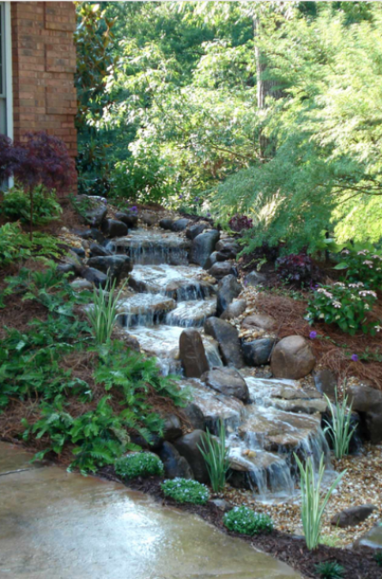 Kleiner Hinterhof-Garten-Wasserfall-Design-Ideen-Sebring-Design-Build-25