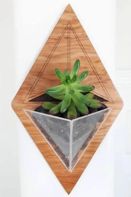Wand-Pflanzgefäße-Holz-Acryl-geometrisch