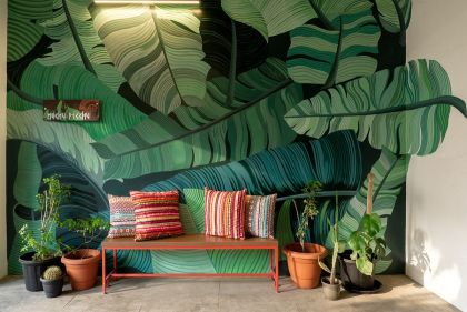 Custom-wall-decal-with-giant-banana-leaves-welcomes-you-at-this-lovely-little-entry-in-chennai-india-73092