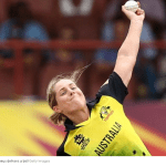 Sophie Molineux, Beth Mooney take Australia into tri-series final