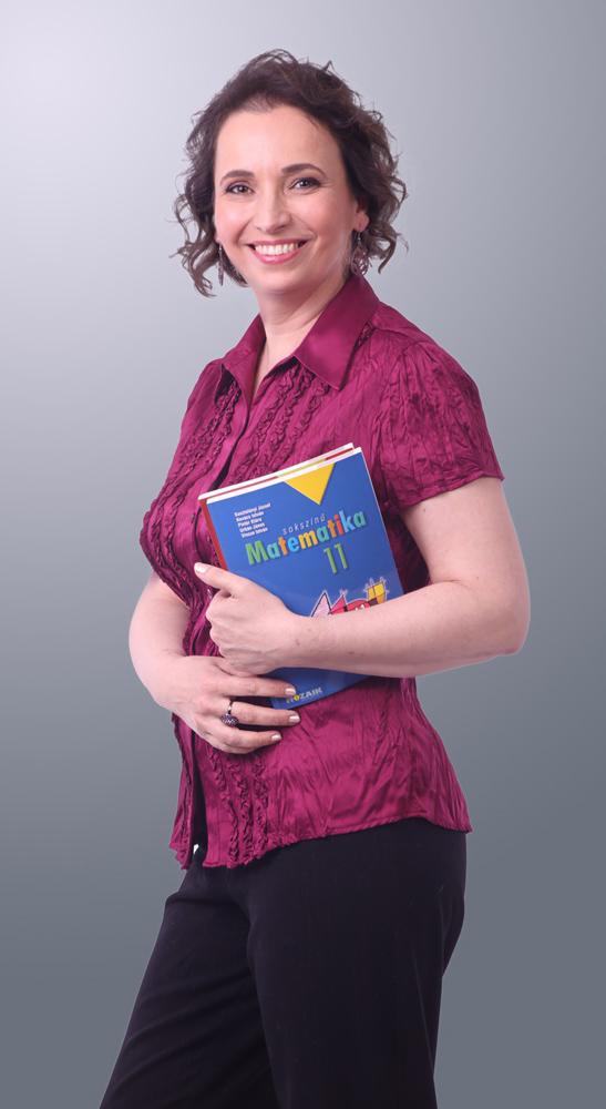 Varga Edit, Kecskemét legbarátságosabb matektanára.