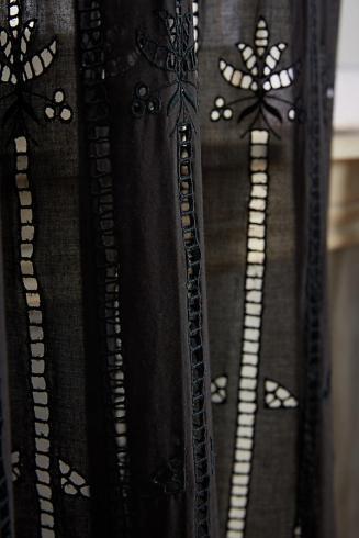 Curtains Close UP