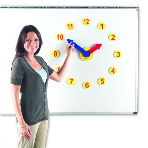 Set de activitati cu ceas 6