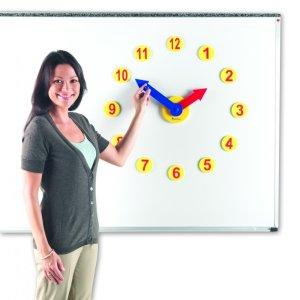 Set de activitati cu ceas 10