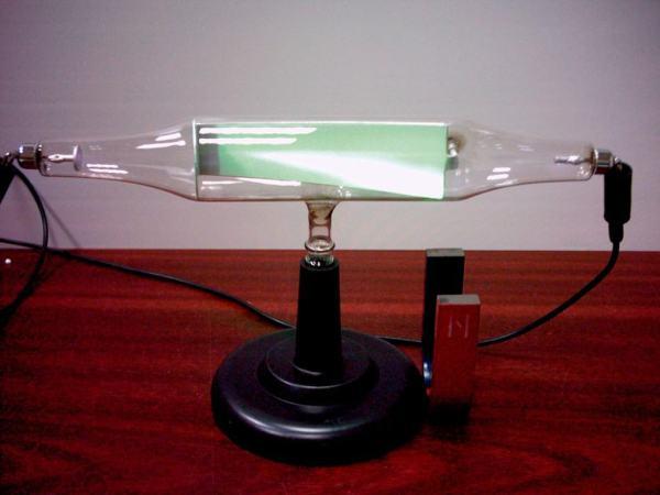 Tub catodic - deviatie in camp magnetic 3