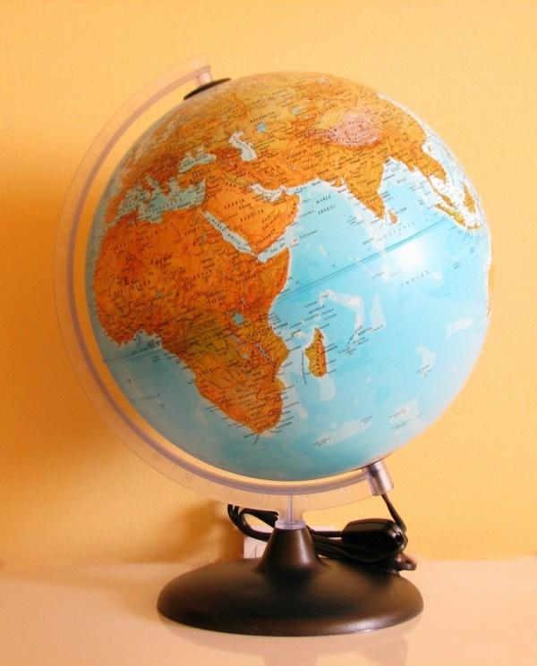Glob geografic pamantesc iluminat 5