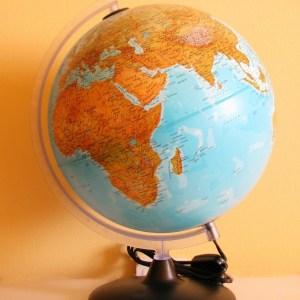 Glob geografic pamantesc iluminat 17
