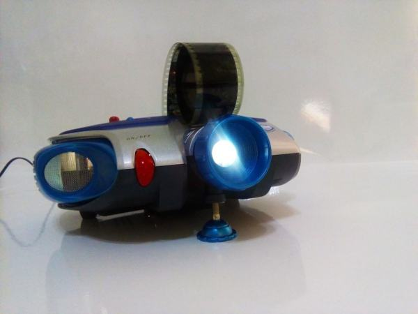 Proiector de Diafilme 35mm 8