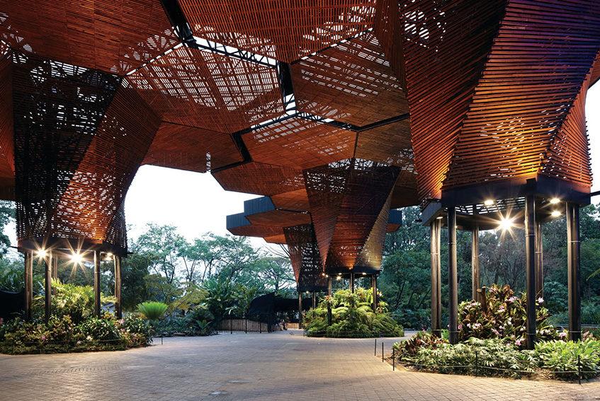"""alt=""""Copertura in legno Giardino Botanico Medellin - progetto di Plan B architects - Colombia"""""""