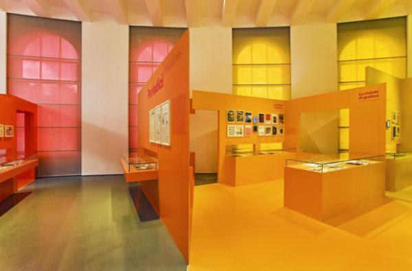 "alt=""design-cromoterapia-fabio-novembre-triennale-allestimento-design-museum"""