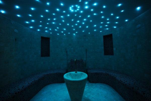 "alt=""interior-design-sauna-bagno-turco-in-casa-benefici-oli-essenziali"""