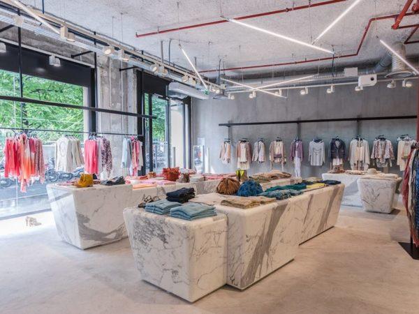 """alt=""""interior-design-tendenza-marmo-zadig-e-voltaire-retail-design"""""""