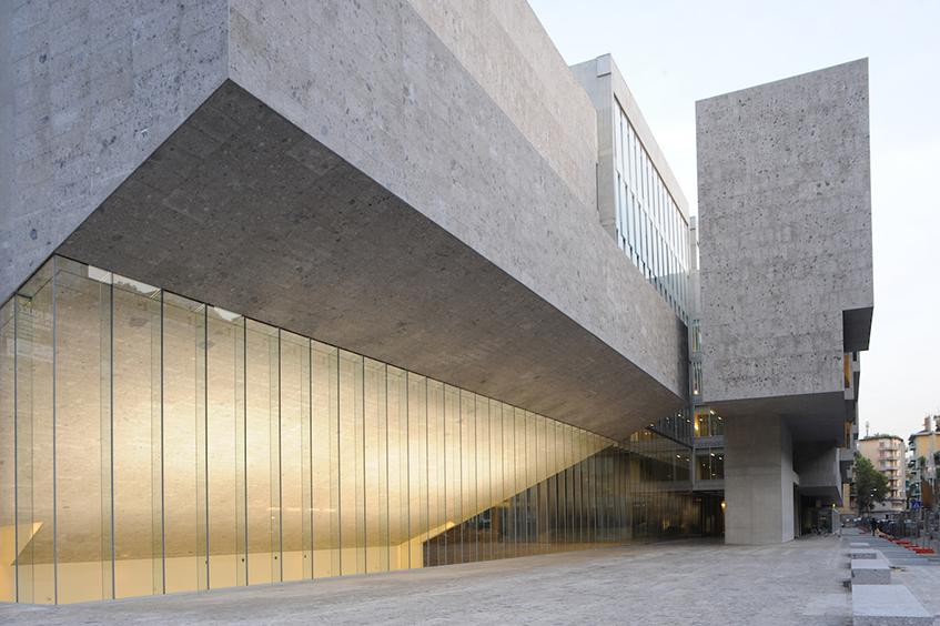 """alt=""""Donne, arte e architettura -Grafton Architects -sede Università Bocconi - Milano"""""""