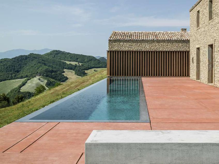 "alt=""La casa in campagna tra architettura e design -AP house - Copertina"""
